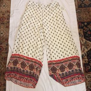 NWOT Woman's Trousers